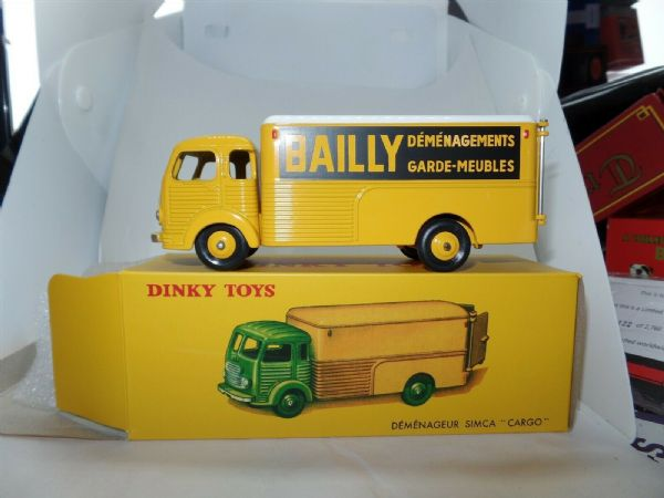 Atlas French Dinky   33an BAILLY SIMCA CARGO DEMENAGEUR BOX TRUCK